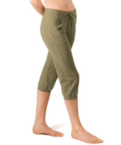 b-light-ekologiska-bomulls-capris-yoga-sport-jeb-olive-1 (2)