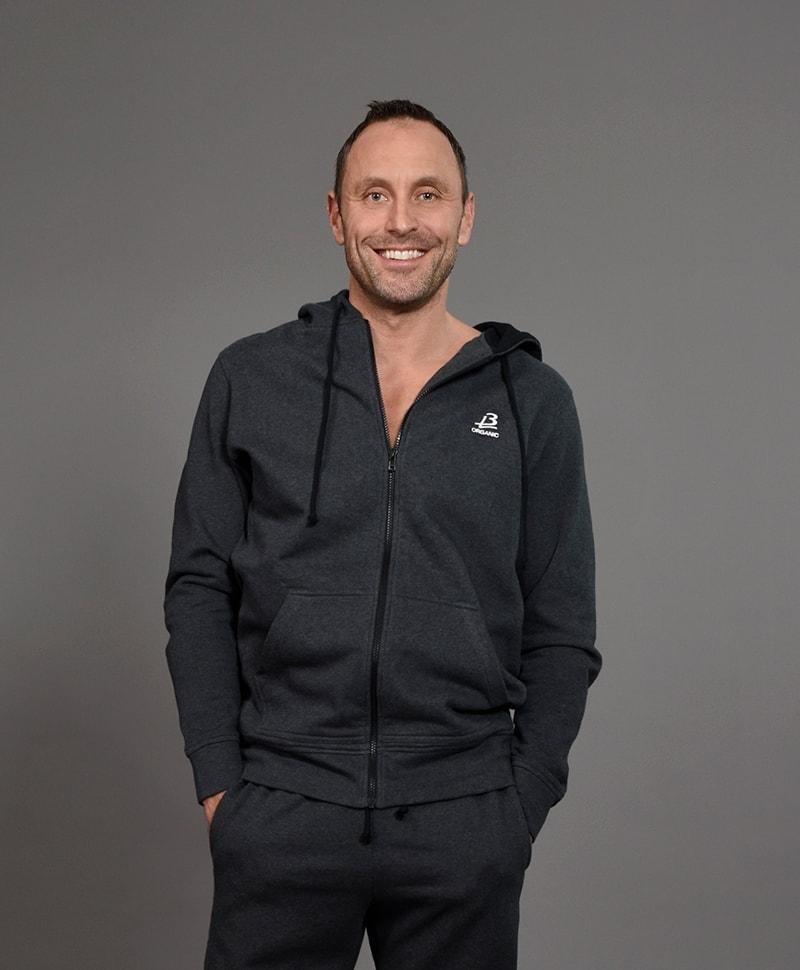 b-light-organic-cotton-sherpa-hoodie-mattias-sunneborn-dark-grey-category5