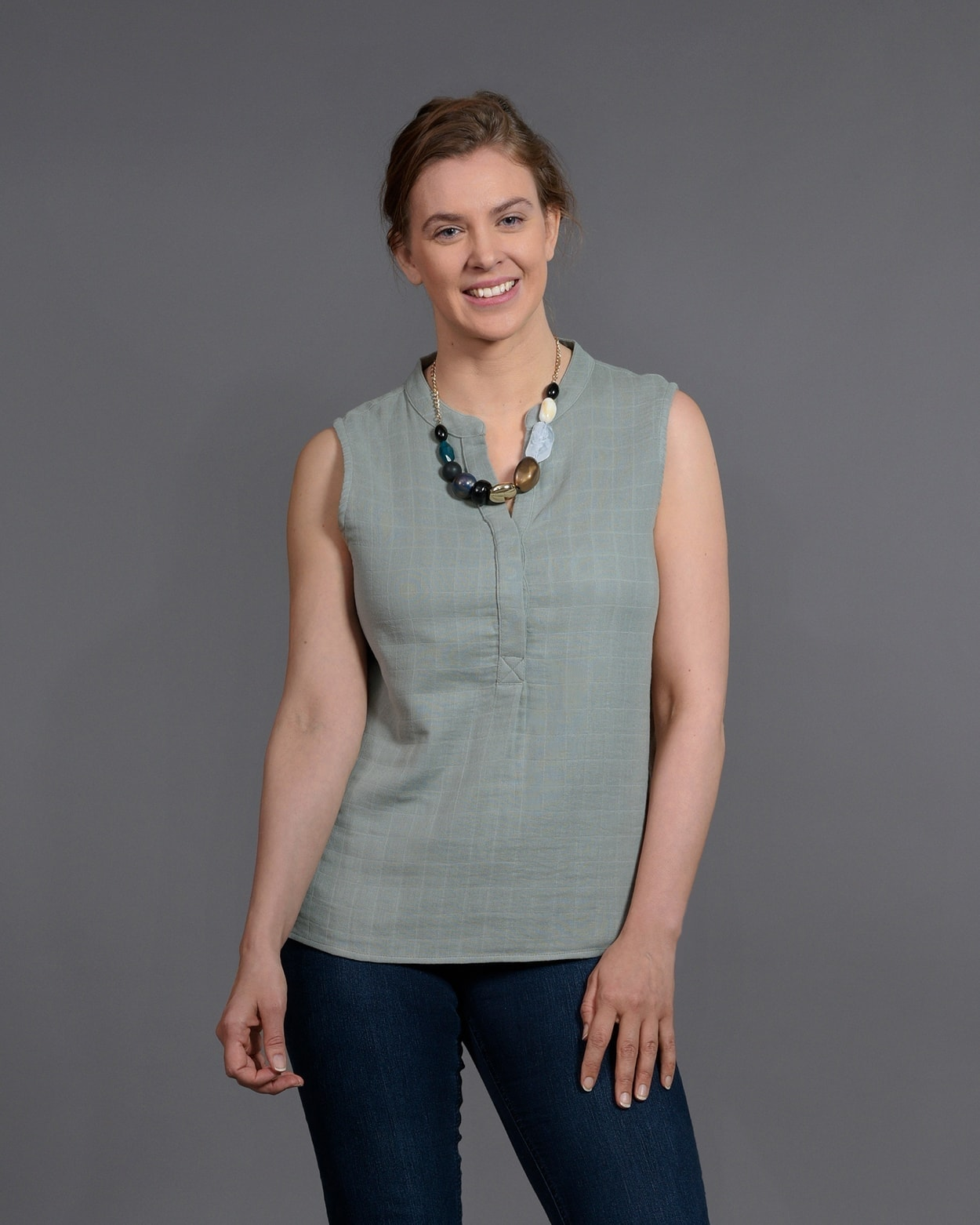 b-light-organic-clothes-sleeveless-top-diana-light-green-1-1